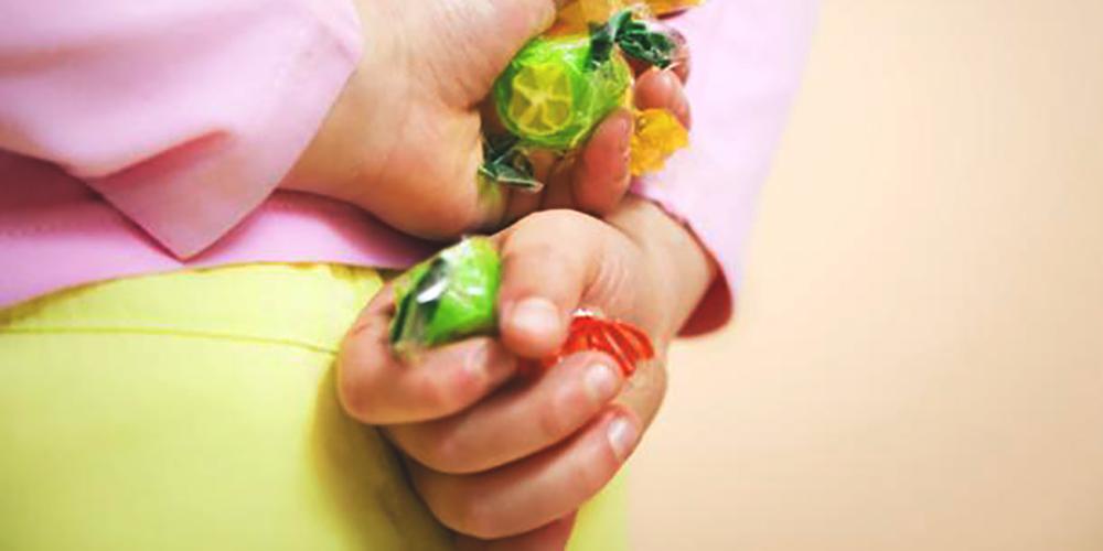 Pequenos furtos cometidos por crianças: o que eles podem significar e como lidar com eles?