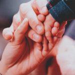 Parentalidade nas empresas: por onde começar um trabalho com mães e pais?