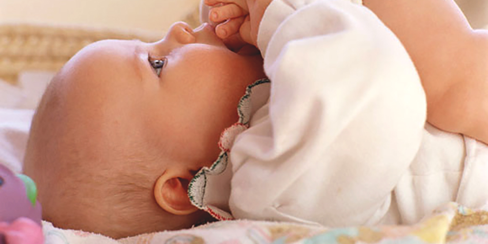 Brinquedos e brincadeiras para bebês de 3 a 6 meses